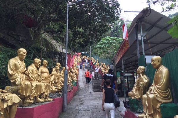 香港最強のB級スポット 萬佛寺